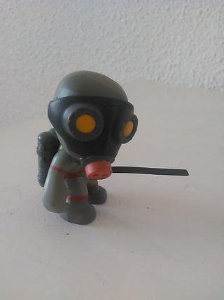Muñeco figura mutant busters