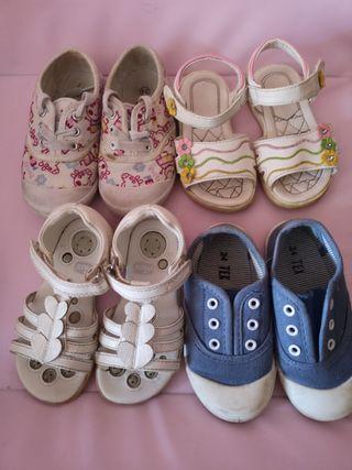 Sandalias y zapatillas niña