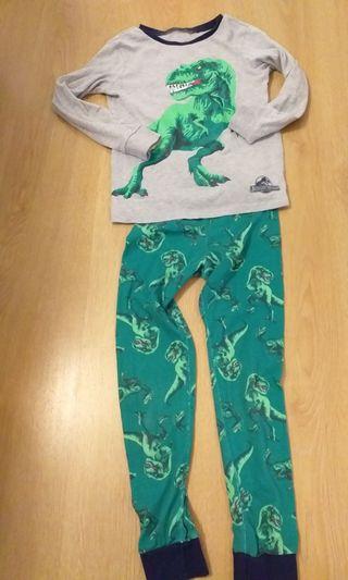 Pijama Jurassic world niño talla 4-6 años