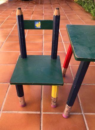 REGALO: Conjunto mesa y silla juegos niños