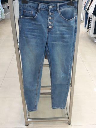 vendo pantalon vaquero con elastan 3%