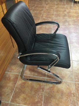 Mesa y sillas, sala de reuniones
