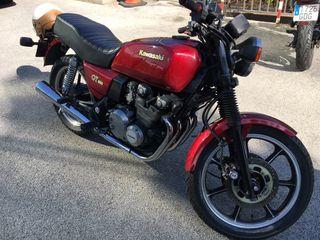 Moto clasica kawasaki 550 GT