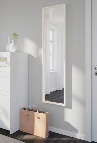 Espejo blanco Nissedal