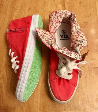 Zapatillas altas coral. 38
