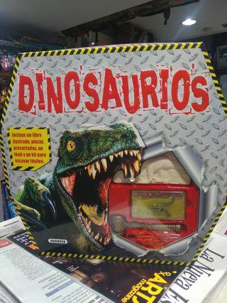 Dinosaurios (Susaeta)