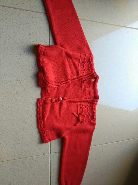 Reneca niña roja hilo talla 24 meses