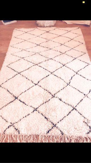 Alfombra beréber nueva , 100% lana, hecha a mano.