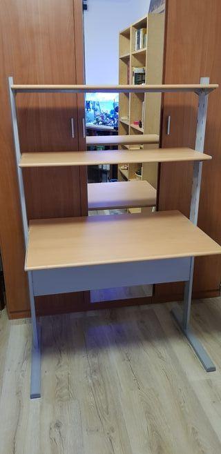 mesa ordenador con repisas.