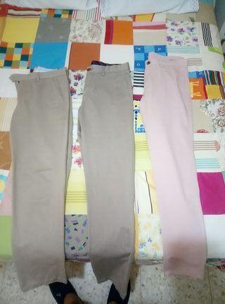 Pantalones chinos marca Álvaro moreno y Zara