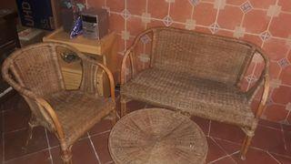 jardín mesa y sillas