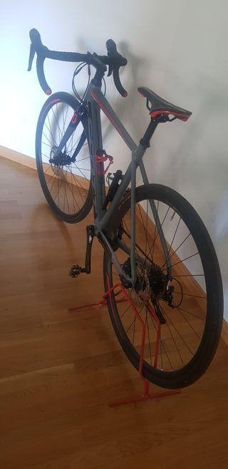 vendo bicicleta de carretera scott
