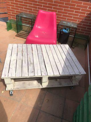 Mesa de jardín de palets