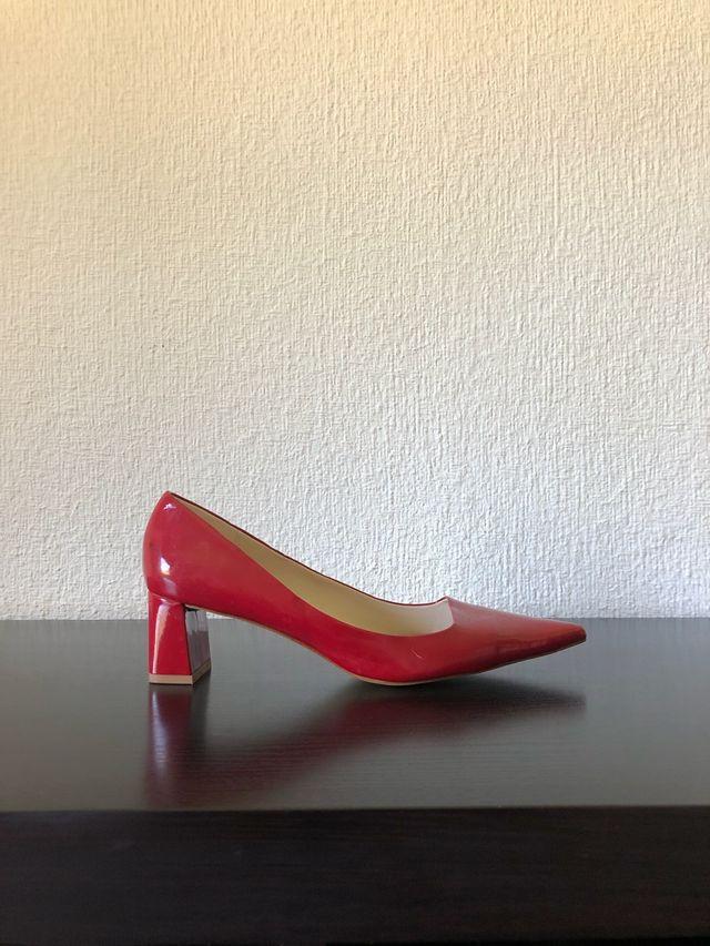 Zapato salón charol rojo