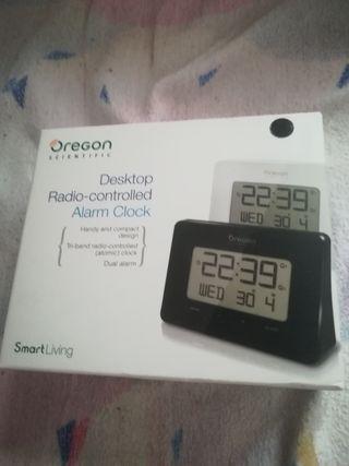 Reloj despertador digital nuevo marca Oregón