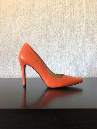 Zapato salón piel naranja