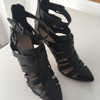 Zapatos tacón de ZARA talla 39