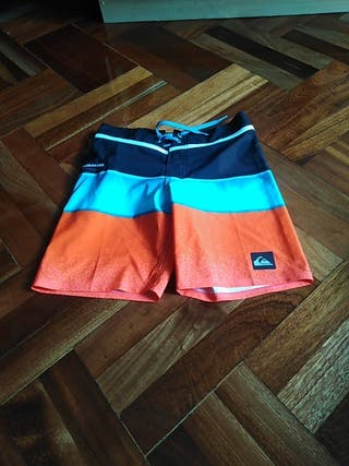 pantalon corto para nadar