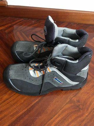 Calzado zapato de seguridad como nuevo. Talla 43