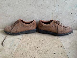Zapatos golf talla 39-40 aprox.