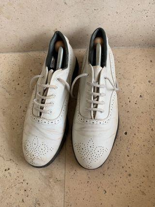 Zapatos golf talla 39 mujer.