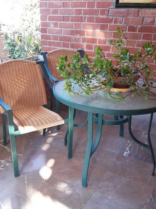 conjunto mesas y sillas de jardin