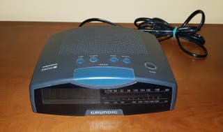 Reloj despertador con radio FM/AM