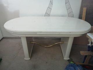 mesa comedor lacada en blanco.