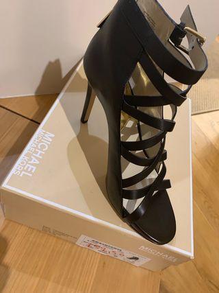 Michael Kors zapatos negros elegantes
