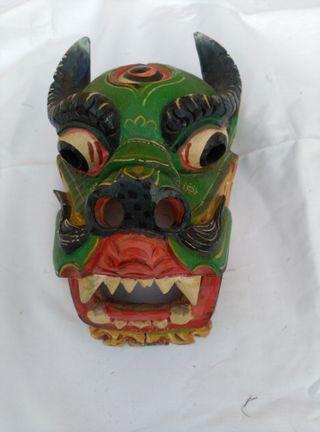 Máscara de madera / màscara de fusta
