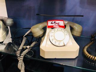 Teléfono antiguo de rueda 1979