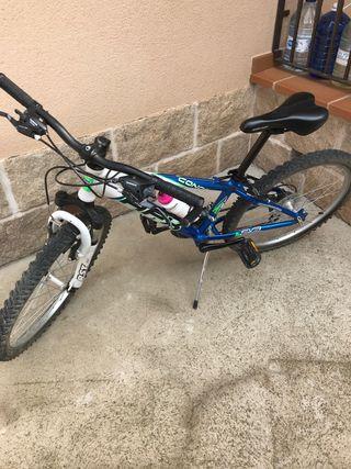 Bicicleta de montaña de niño