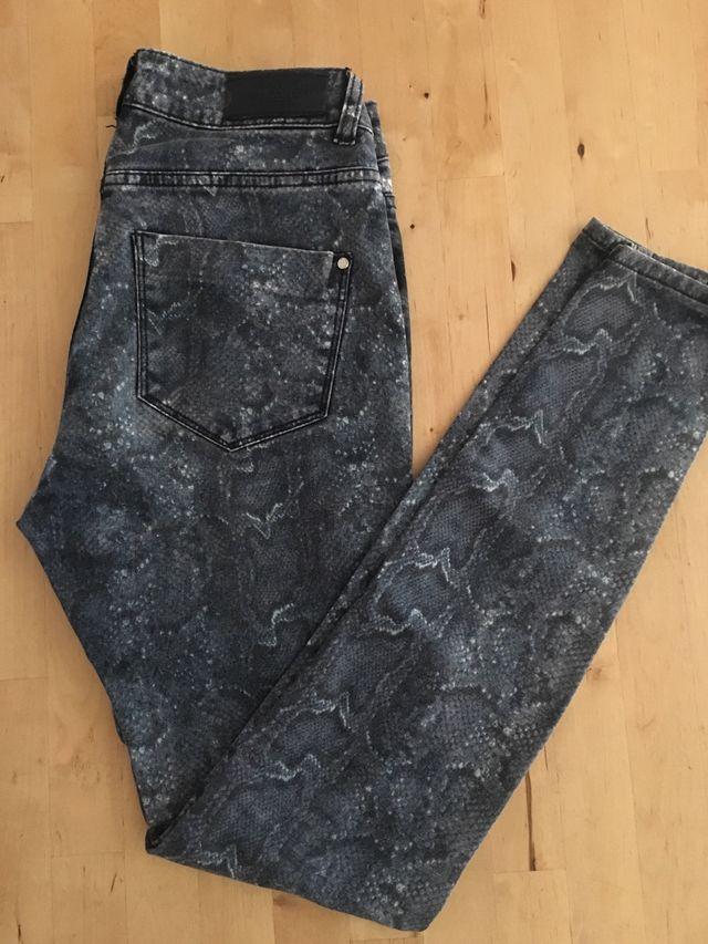 Pantalón Skinny Mango serpiente