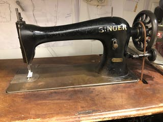 Maquina de coser industrial Singer