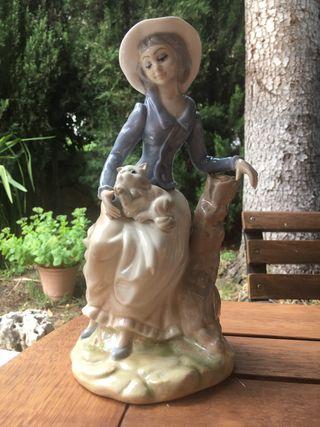Figura Lladró mujer con gato