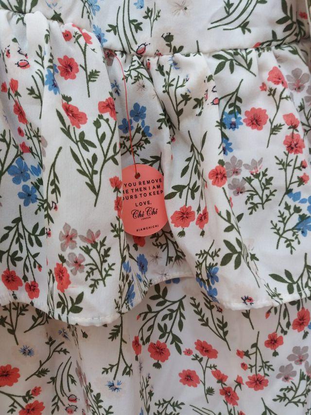 Blusa con estampado de flores SIN ESTRENAR