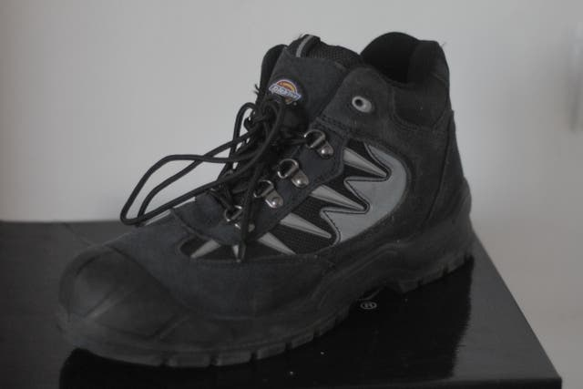 Safety boots. Steel toe cap
