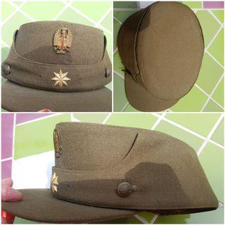 Gorra militar antigua