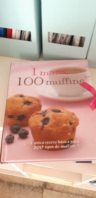 100 muffins