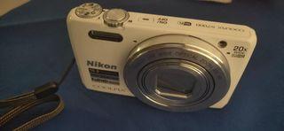 Cámara Nikon Coolpix S7000