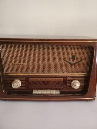 Radio antigua Iberia M - 170