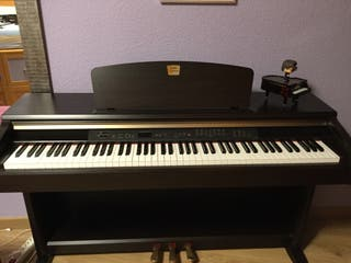 piano yamaha clavinova de segunda mano en wallapop. Black Bedroom Furniture Sets. Home Design Ideas