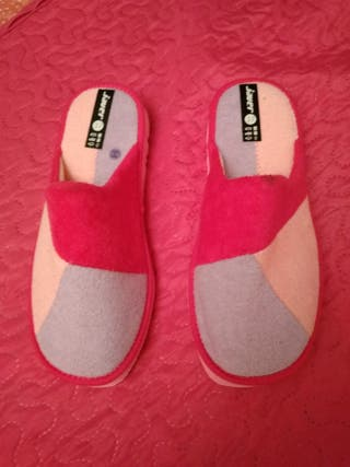 zapatillas casa mujer o niña. T 36'5