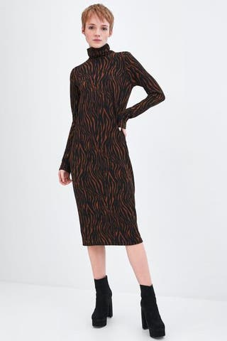 Vestido marrón animal print Zara