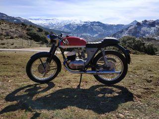 alquiler moto clásica