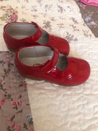 Zapatos charol nº 24 Pataletas
