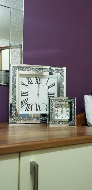clocks and mirror