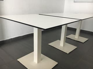 Mesa blanca de diseño
