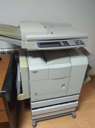 Fotocopiadora Sharp Modelo AR M 351 N. Necesita un