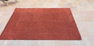 alfombra granate